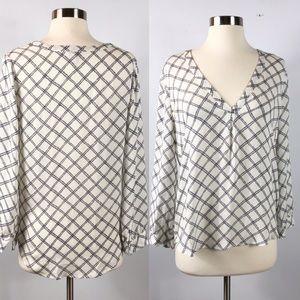 EUC✨JOIE Silk White/Blue knot patterns Blouse S